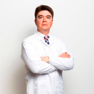 Dr. Thiago Tubone